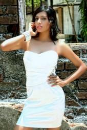 Malaysia Escorts Alisha Indian Model