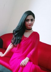 Escort Model Dubai Raveena